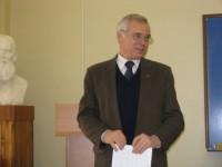 Декан факультету, професор Ю. М. Безхутрий відкриває конференцію
